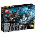 LEGO Super Heroes - Mr. Freeze in battle on batcycle (76118)